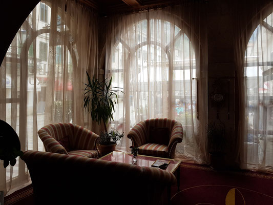 Kotor. In der Lobby des Hotels Cattaro