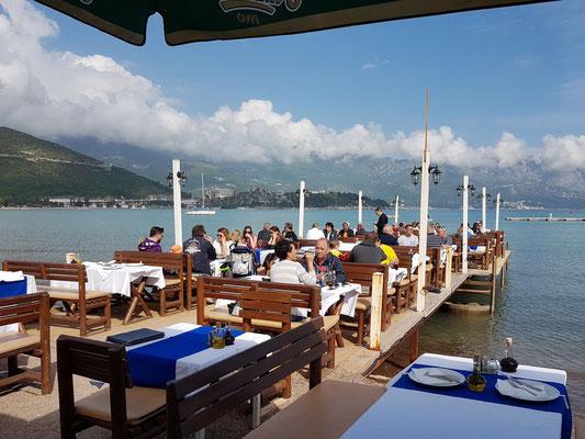 Restaurant am Strand von Budva