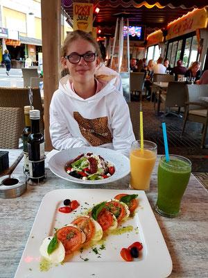 Zum Abendessen im Restaurante Costa Italy