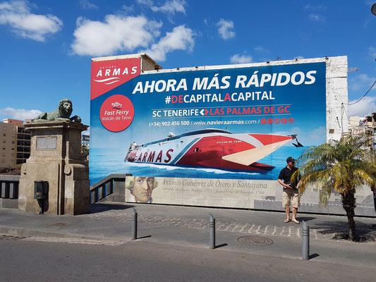 Puente Serador und Reklametafel von Armas