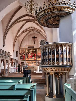 St. Marien, Kanzel und dreiteiliges Altarbild, Vorderseite und Rückseite bemalt