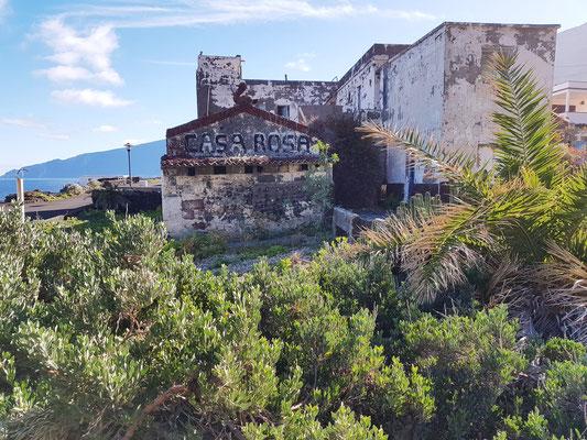 Pozo de la Salud, Casa Rosa, eine ehemalige Pension, in welcher hunderte Kranke erfolgreich behandelt worden sein sollen