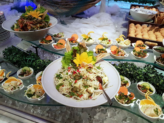 Salat am Buffet