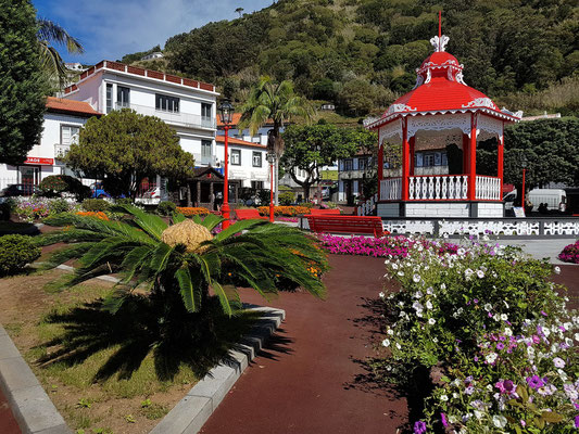 Jardim da República, das Zentrum von Velas