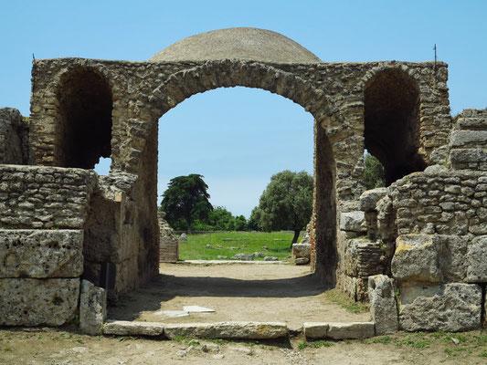 Paestum, Eingang zum Amphitheater