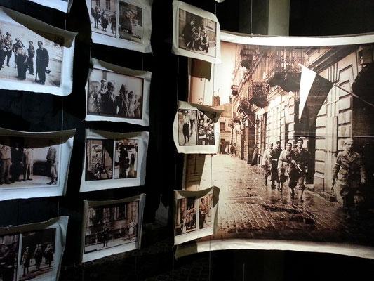 Museum des Warschauer Aufstandes, Dauerausstellung mit 1000 Fotografien