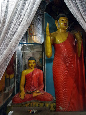 Buddhas in der Klosteranlage