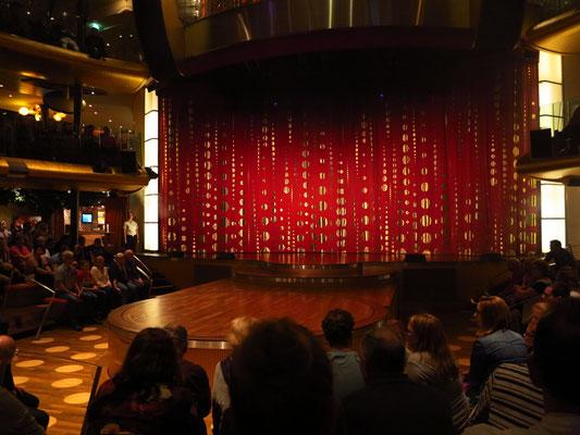 Show: AIDA Stars im Theatrium, Deck 9-11, 21 Uhr
