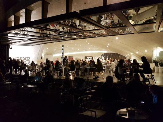 Im Mag Café Bistro vor dem Konzert