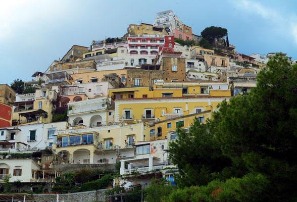 """Paul Klee hielt den Ort Positano für """"den einzigen auf der Welt, der auf einer vertikalen anstatt einer horizontalen Achse angelegt ist."""""""