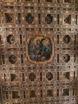 Kassettendecke in der Abbazia San Michele Arcangelo