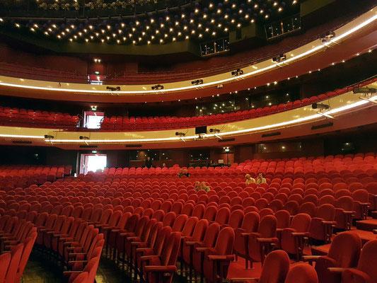 Nationale Opera & Ballet, Zuschauerraum