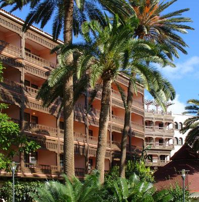 Las Palmas, Luxushotel Santa Catalina im Parque Doramas, 1953 nach dem Vorbild altkanarischer Architektur erbaut