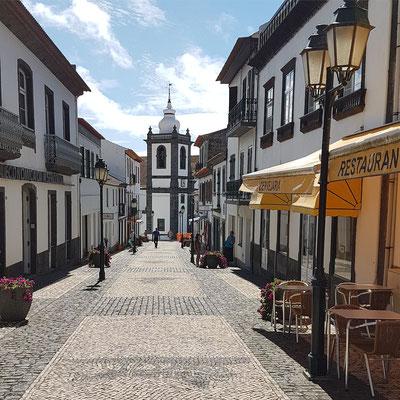 Fußgängerzone in Velas