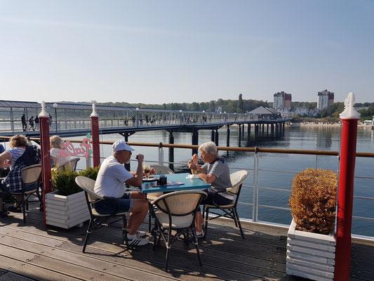 Im Ristorante-Pizzeria-Rialto am Ende der Seebrücke von Heringsdorf
