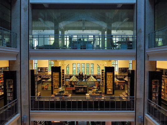 Alexandra Bookstore, Andrássy út