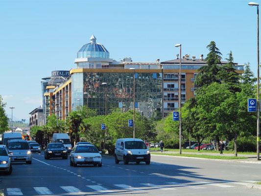 Podgorica, modernes Geschäftsviertel am Bulevar Džordža Vašingtona
