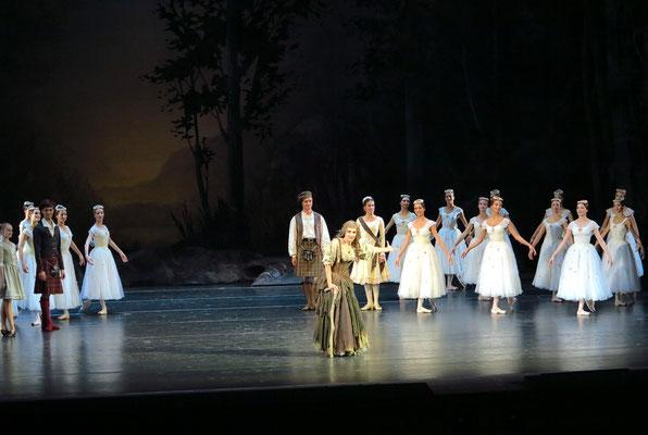 Applaus für La Sylphide: für Anna Antropova (Magd und Hexe)