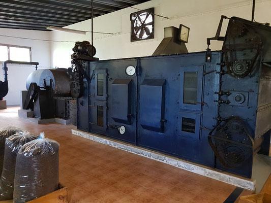 Chá Porto Formoso, alte Maschine im Museum