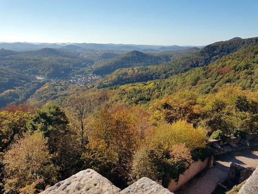 Madenburg, Blick nach Nordwesten in die Pfalz