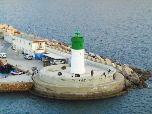 Faro de la Curra an der Hafeneinfahrt von Cartagena (Steuerbordseite grün)