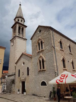 Altstadt von Budva, römisch-katholische Kirche des Heiligen Johannes des Täufers (Sveti Ivan) aus dem 15. Jh., Kirchturm von 1876