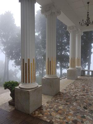 Eingangssäulen der Villa Lysis