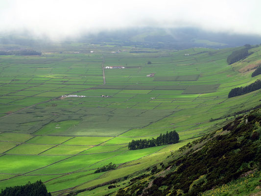 Spektakuläre Aussicht vom Miradouro da Serra do Cume