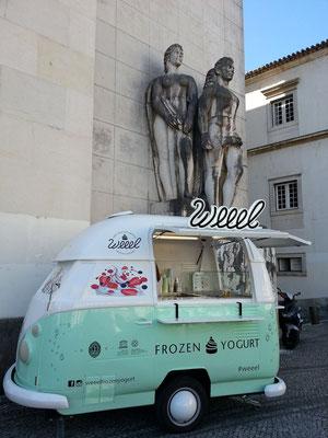 Mobiler Verkaufsstand von Frozen Yogurt