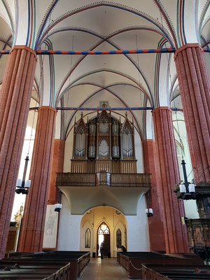 St. Marien. Die Orgel von 1866 wurde von dem Stralsunder Orgelbauer Friedrich Albert Mehmel gebaut.