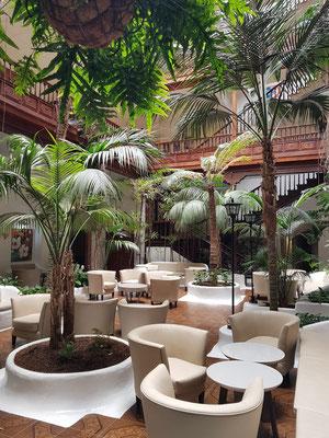 Patio des Hotels Metropol