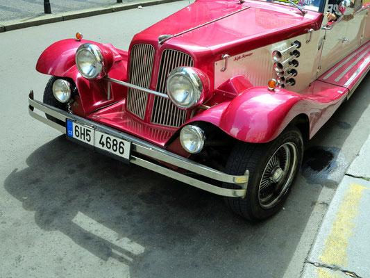 Oldtimer Alfa Romeo, Replik aus den dreißiger Jahren des 20. Jahrhunderts