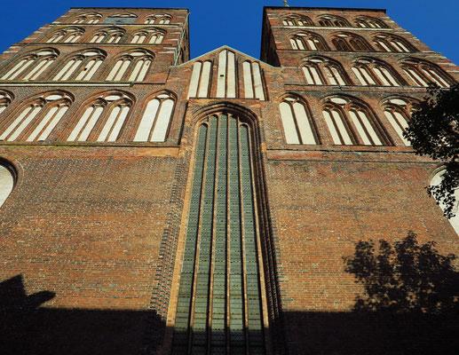 Westfassade der Nikolaikirche, 1270 erbaute Hallenkirche