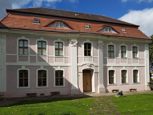 Ehemalige Garnisonsschule (Gartenseite)