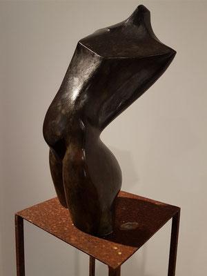 Kunstausstellung im Castillo San Felipe: Bronzeskulpturen von Gotzon Cañada