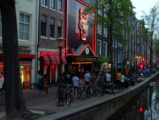 Casa Rosso, Sex- und Erotiktheater