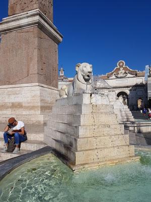 Piazza del Popolo, Löwenbrunnen von Giuseppe Valadier