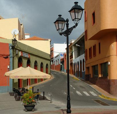 Vallehermoso, an der Plaza de la Constitución