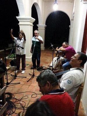 Musikgruppe mit kubanischer 8-Silben-Musik in der Casa de Cultura von Viñales