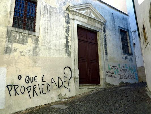 Gasse in der Altstadt von Coimbra