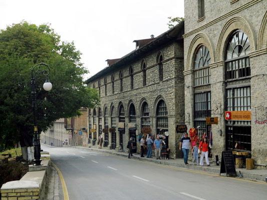 Außenfassade des Hotels Karavansary (ehemalige Karawanserei)