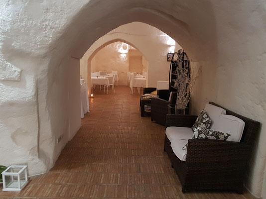 Im Inneren des Hotels Ai Terrazzini, Blick von der Rezeption zum Frühstücksraum
