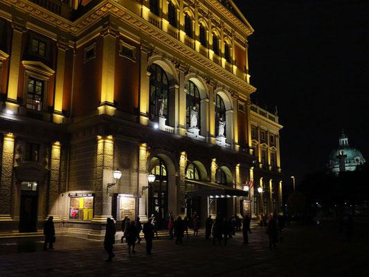 Konzertgebäude des Wiener Musikvereins, nach dem Tschaikowski-Konzert