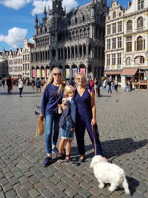 Grand-Place in Brüssel, im Hintergrund Maison du Roi