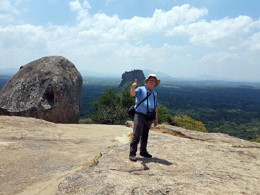 Geschafft, der Aufstieg zum Pidurangala-Monolith