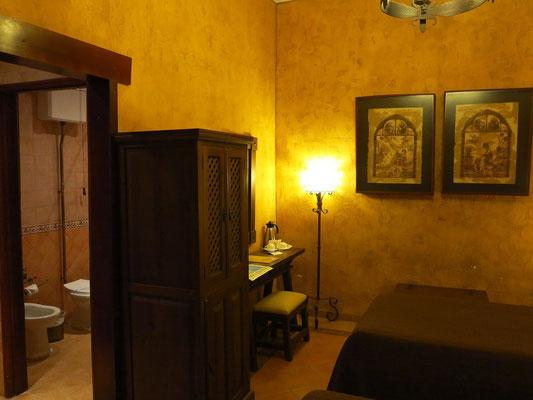 Unser Zimmer im 3. Geschoss, alle Zimmer sind ohne Fenster, deshalb auch sehr ruhig