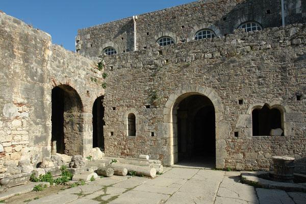 St.-Nikolaus-Kirche in Myra, ehemalige byzantinische Kirche in der heutigen türkischen Stadt Demre