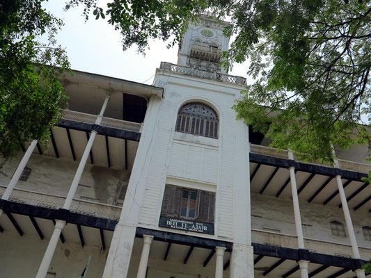 House of Wonders (arab. Bait al-ʿAdschā'ib) 1907, das erste Gebäude Ostafrikas mit elektrischem Aufzug