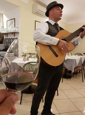 Gitarrenspieler im Ristorante La Galea