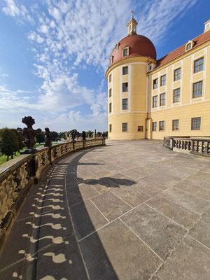Östlicher Rundgang um das Schloss